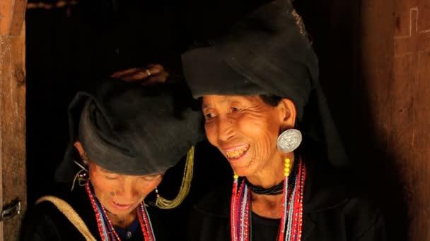 Tribe women traditionally dressed — Vidéo
