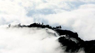 Mountain clouds on the coast Santo Antao — Stock Video