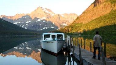 Josephine Lake in Montana — Stock video