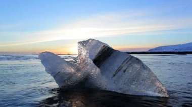 Melting sea ice — Stockvideo