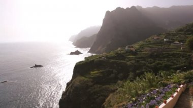 Ocean view of sea cliffs — Stock Video