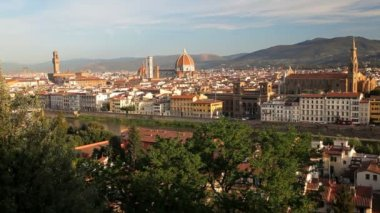 Magnificent elevated city view of Florence the Arno River — Stock Video