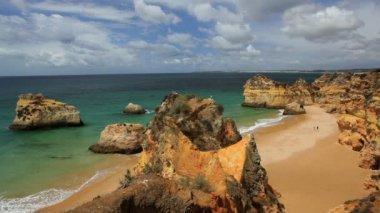 Coastal view of Praia Do Camilo — Vídeo de stock