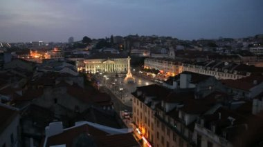 Rossio Square at dusk and Monument — Stock Video