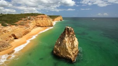 Sea coastal view of Praia Dos Caneiros — Stock Video