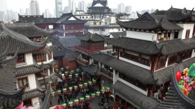 Shopping area with traditional Chinese buildings — Vídeo Stock