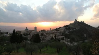 Elevated sunset over Olive groves Assisi — Stock Video
