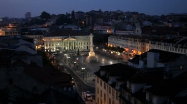 Rossio Square at dusk and Monument Lisbon, Portugal — Stock Video