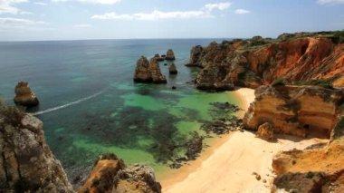 Coastline view of Ponta da Piedade — Stock Video