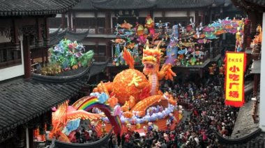 Dragon statue Chinese New Year, Shanghai, China — Wideo stockowe