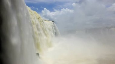 Water flowing over Iguacu Falls — Vídeo Stock