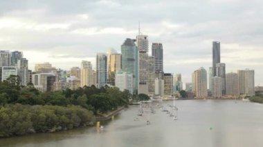 Brisbane city skyline and river — Stock Video