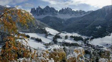 Santa Magdalena, Val Di Funes — Стоковое видео