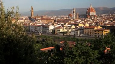 Magnificent elevated city view of Florence the Arno River — Stok video