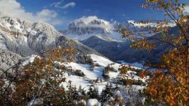 Santa Magdalena, Val Di Funes — Stock Video