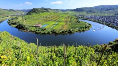 River Mosel with two small pleasure boats — Wideo stockowe