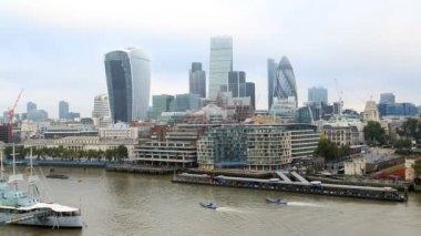 London River Thames boat skyline business Walkie Talkie Building city — Stock Video