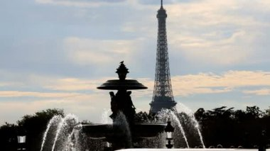 France Paris Place Concorde Eiffel Tower travel tourist fountain — Stock Video