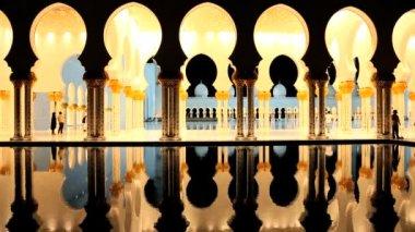 Abu Dhabi UAE Sheikh Zayed Bin Sultan Nahyan Mosque — Stock Video