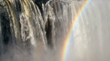 Victoria Falls Zimbabve Afrika şelale gökkuşağı Zambezi Nehri — Stok video