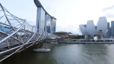 Marina Bay Helix Bridge Marina Sands skyscrapers time lapse — Stock Video