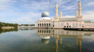 Borneo Malaysia Kota Kinabalu Asia Mosque city — Stock Video