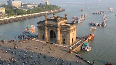 Mumbai India Gate Maharashtra Asia monument boat sea — Stock Video