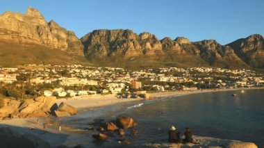 South Africa Camps Bay Cape Town people beach — Stock Video