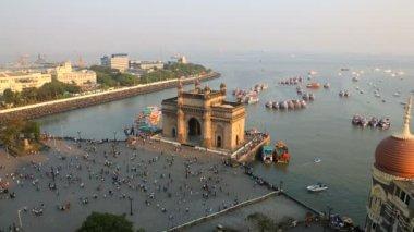 Mumbai Gateway India Maharashtra sea people travel — Stock Video