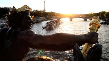 France Paris Pont Alexandre 111 bridge River Seine Eiffel tower sunset — Stock Video