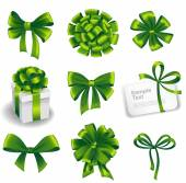 Set of green gift bows with ribbons. — Stock Vector