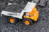 Dump Truck with Coal (Toy, Macro) — Foto de Stock