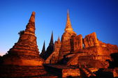 Alacakaranlık saat Wat Phra Sri Sanphet, Tayland — Stok fotoğraf