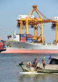 Bangkok, februari 26,2015: Port myndigheten i Thailand — Stockfoto