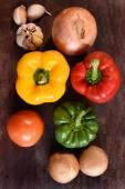 Légumes frais et des ingrédients pour pizza — Photo