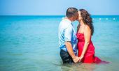 Happy Loving couple on a tropical beach against the sea Similan Island — Stock Photo