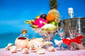 Wedding ceremony on the beach scenery ring decor coral box — Photo