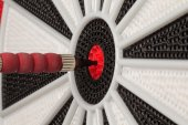 Dart in Bullseye Close Up — Stockfoto