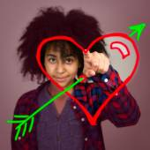 Young Teenage Girl With Afro Hair Drawing A Love Heart — Stock Photo