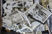 Istanbul's antique district in Çukurcuma, old family photos sold — Fotografia Stock
