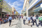 People walking along Rundle Mall in Adelaide, South Australia — 图库照片