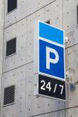 Carpark sign — Stock Photo