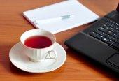 Tea break in office — Stock Photo