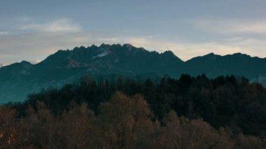 Morning in alpine mountains — ストックビデオ