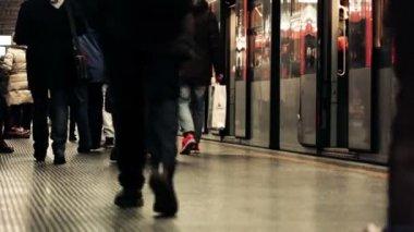 Milan Commuters Leaving a Metro Train — Stock Video