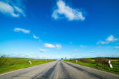 Empty road in the countryside — Stock Photo