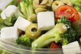 Salada fresca de preparado em uma tigela de tomar — Fotografia Stock
