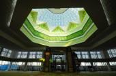 Interior of Raja Haji Fi Sabilillah Mosque a.k.a Cyberjaya Mosque in Cyberjaya, Malaysia — Stock Photo