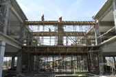 Construction Workers Installing Beam Formwork — Stock Photo