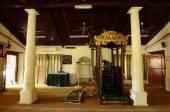 マラッカ、マレーシアのカンポン ドゥヨン モスクの内部 — ストック写真